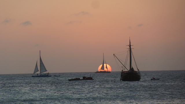 Aruba Captures Your Heart - From Glorious Sunrise to Brilliant Sunset