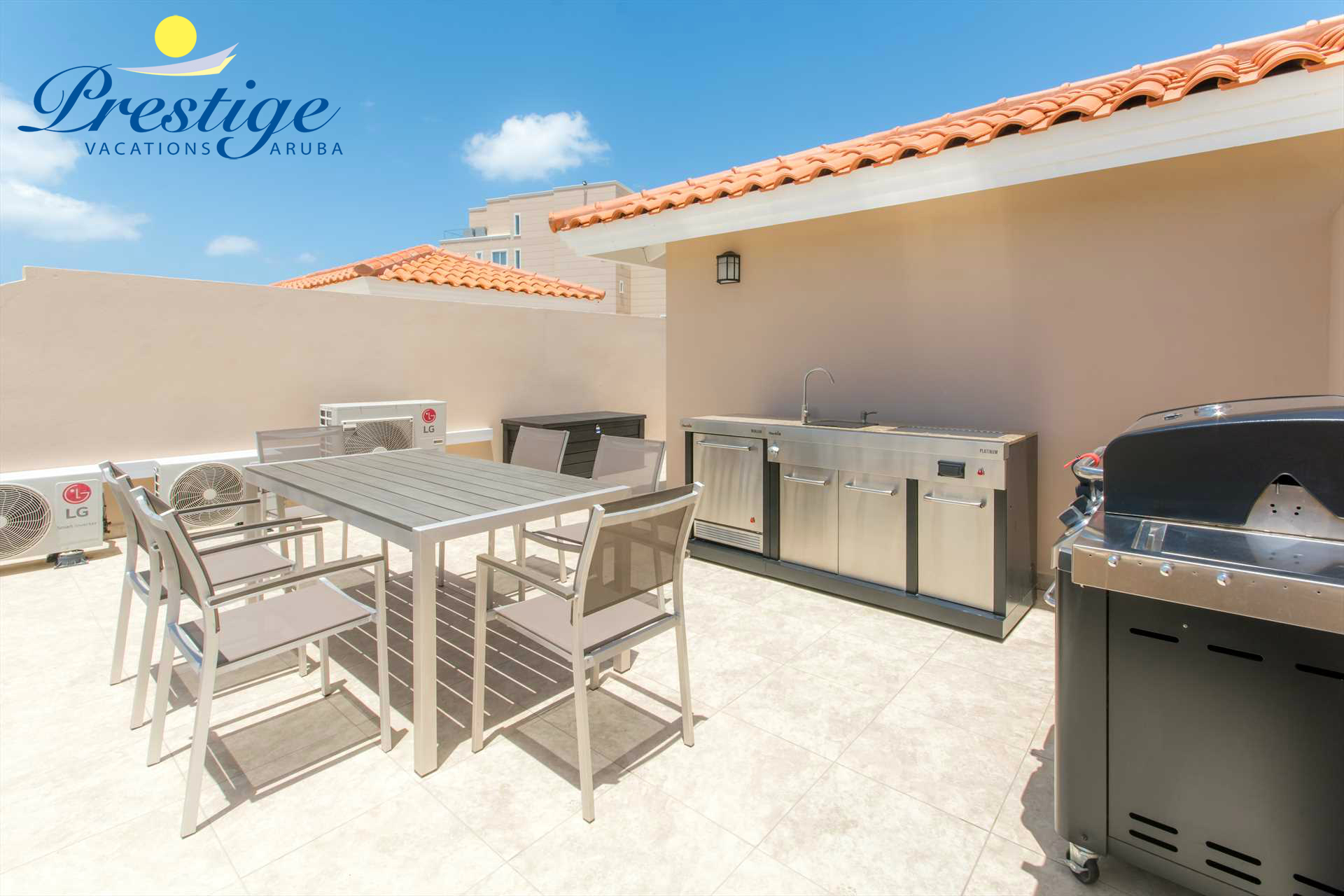 Your own outdoor kitchen and BBQ-grill with an outdoor dining table to enjoy your culinary delights