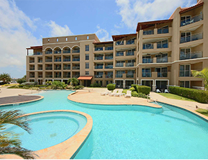 Eagle_beach_vacation_rental_prestige_vacations_aruba_oasis_luxury_condominium_resort_main_image