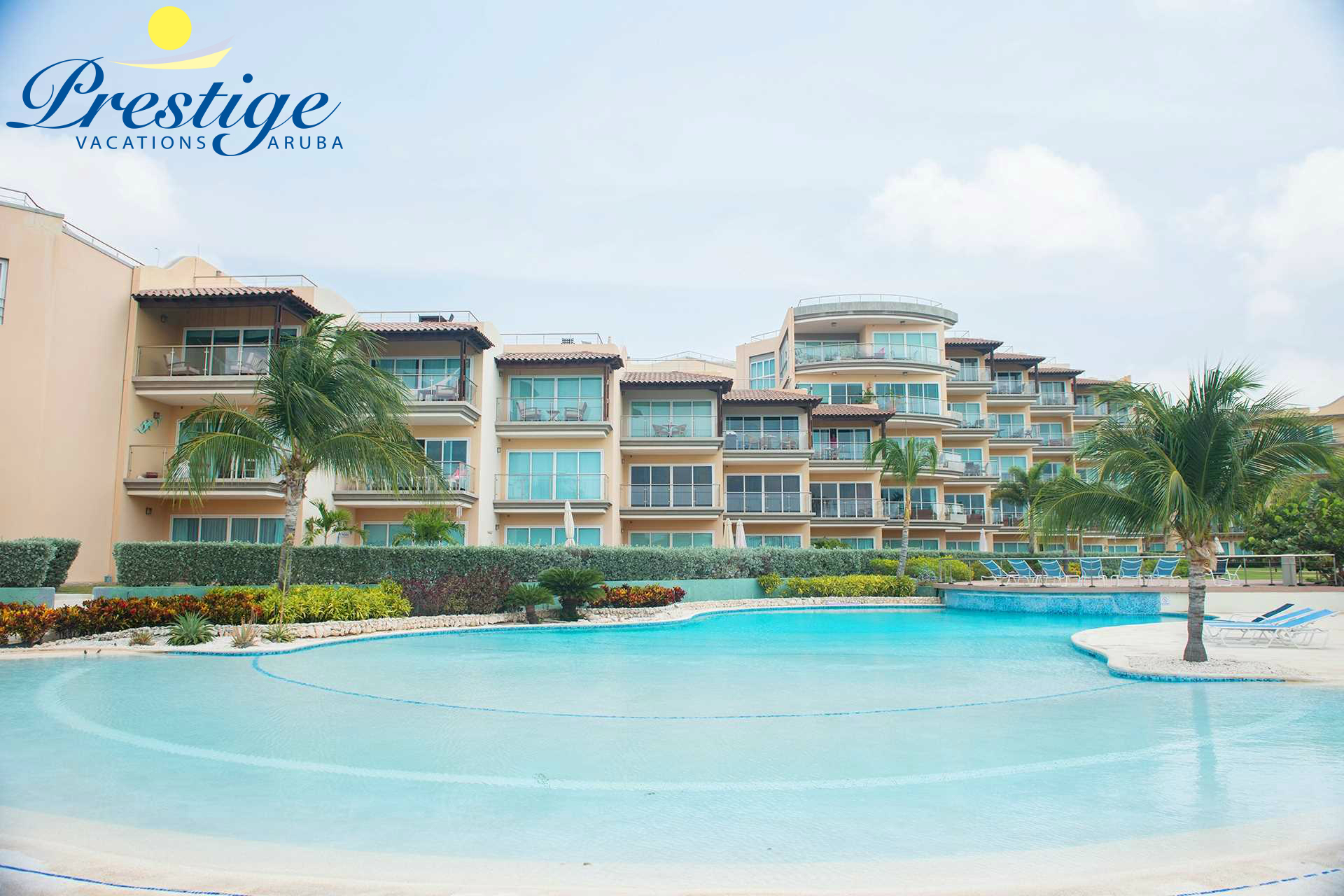 Oceania Deluxe Beachfront Condo resort - single swimming pool area